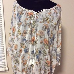 Tops - Flower blouse.